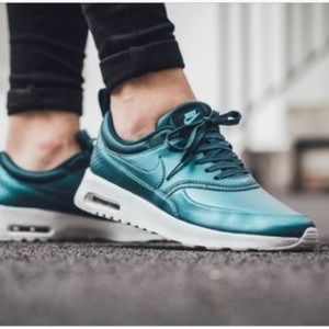 BRAND NEW Nike Air Max leather sneakers teal